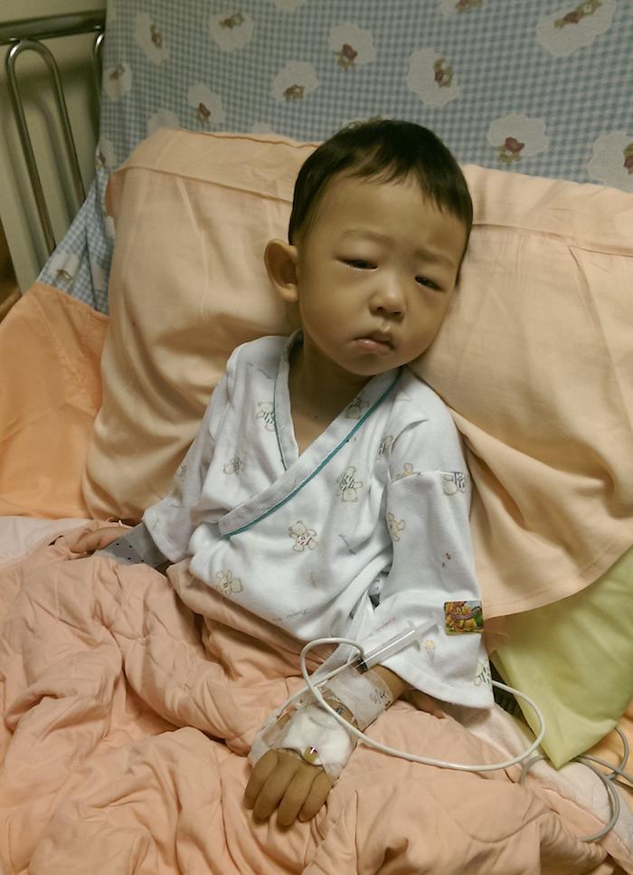住院第三天,醫生說已經罹患糖尿病一段時間,這幾天抽血的時候不順利,護士戳了好久,從此看到護士就大哭。
