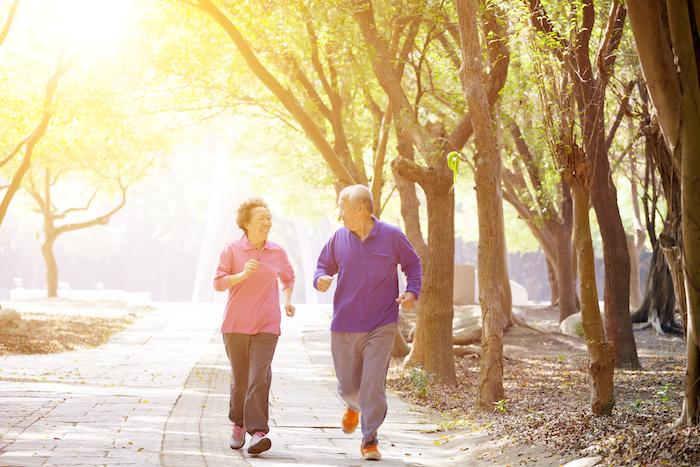 運動對糖尿病的影響的層面包含身體、心理、社會的健康,對第二型糖尿病和糖尿病前期的朋友來說,可改善血糖,甚至有逆轉糖尿病的可能。對第一型糖尿病來說,即便需要注意運動造成的血糖波動,運動對於體適能、心理健康、社交往往也有正面影響。